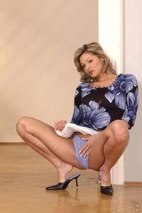 Caroline Cage 03