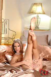 Blond Beauty Bambi Fingers Her Wet Pussy 15