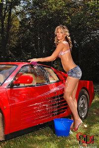 Gina Sexy Carwash 02