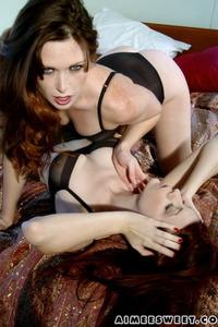 Lesbian Pleasure On Bed 03
