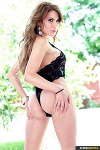 Busty Aleksa Nicole Shows Her Sexy Nude Body 08