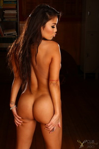 Justene Jaro Showing Her Hot Body 04