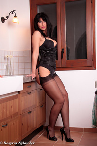 Hot Milf Plays With A Vibrator 00
