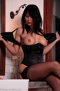 Hot Milf Plays With A Vibrator 05