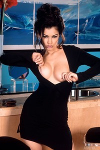 Aria Giovanni Stips At The Bar 04