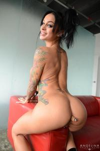 Angelina Valentine Plays With Her Ass 08