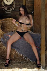 Vivianna Hughes - Horny Harvest 07
