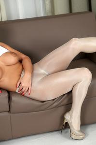Dorothy Black Hot Body 12