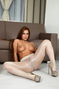 Dorothy Black Hot Body 16
