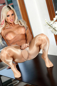 Ashley Bulgari In Super Shiny Wolford Neon 40 Cosmetic 17
