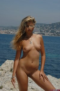 Sweet Blond Girl Axelle Parker Seaview 11