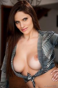 Thais Dornelle Nice Round Breasts 09