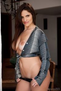 Thais Dornelle Nice Round Breasts 10