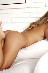 Luana Dos Santos Sweet Blonde  03