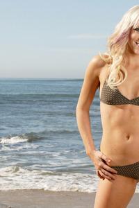 Amy Posing In Bikini 00