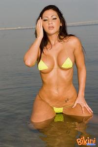 Brunette Babe Posing In Tiny Hot Bikini 09