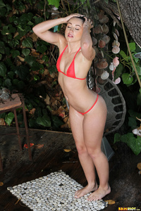 Lola Foxx Drops Her Bikini Off 00