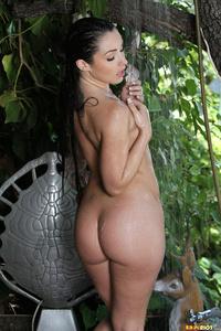 Lola Foxx Drops Her Bikini Off 14