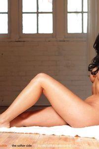 Busty Nude Rachelle  00