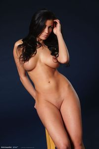 Rachelle Gorgeous naked Body 03