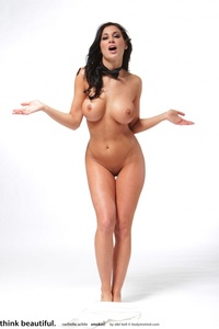 Rachelle Amazing Nude Body 11