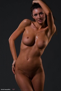 Klaudia Shows Her Amazing Nude Body 06