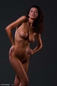 Klaudia Shows Her Amazing Nude Body 10