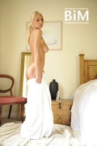 Rhian Morning Beauty 06