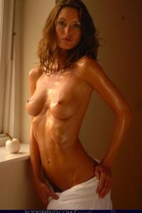 Nikkala Stott Slender Body 02