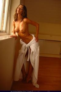 Nikkala Stott Slender Body 06
