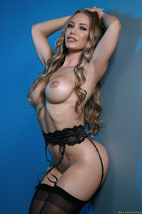 Busty Babe Nicole Aniston In Hot Black Stockings 07