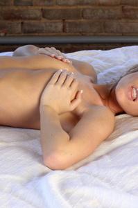 Bree Roxx Nude 01