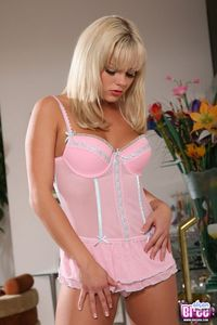 Bree Olson Pretty In Pink 02