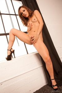 Sexy Babe Kristina Rose Solid Gold 14