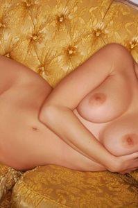 Carlotta Champagne Slave 15