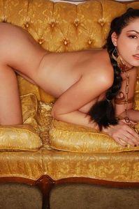 Carlotta Champagne Slave 19