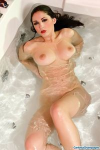 Carlotta Champagne Hot And Wet 07