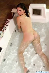 Carlotta Champagne Hot And Wet 08