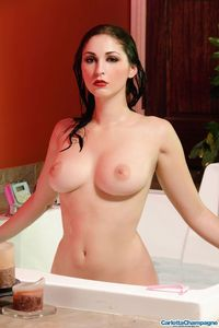 Carlotta Champagne Hot And Wet 10