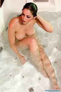 Carlotta Champagne Hot And Wet 11