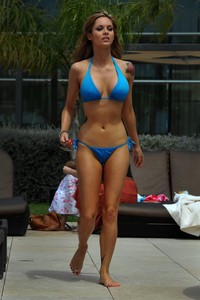 Jessica Jane Clement Sexy Bikini Pictures 07