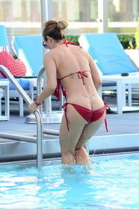 Jennifer Nicole Lee Red Bikini Photos 04