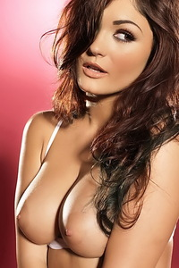 India Reynolds Amazing Brunette Babe 00