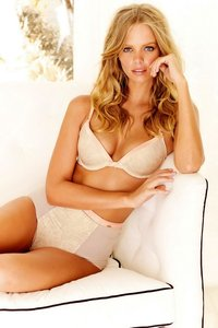 Marloes Horst Sexy Lingerie And Bikini Photos 04