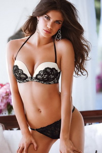 Breathtakig Beauty Babe Sara Sampaio Hot Lingerie Gallery 01