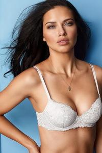 Amazing Beauty Adriana Lima Sexy Lingerie Photos 02