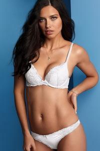 Amazing Beauty Adriana Lima Sexy Lingerie Photos 03