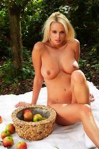 Sexy Babe Rhian Sugden Strips Nude Outdoors 12