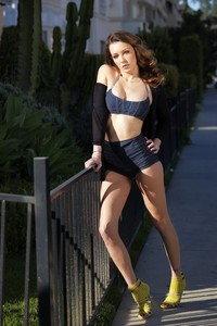 Amazing Brunette Katie Cassidy Sexy Photo Gallery 12