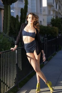 Amazing Brunette Katie Cassidy Sexy Photo Gallery 13